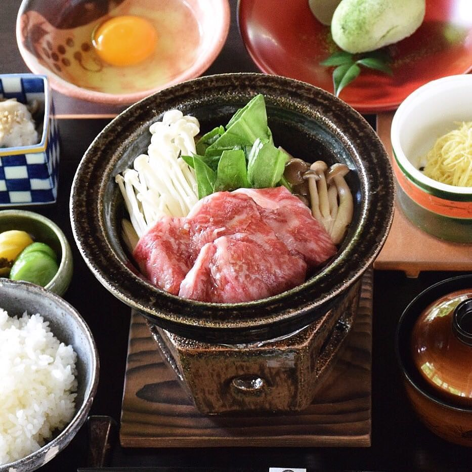 [Set Menu] Wagyu Beef Sukiyaki Set Tonight on sale  We will open Lunch (11:30-15:00) on 5th-6th Dec. セットメニュー 和牛すき焼きセット 本日より販売開始  12月5日土6日日はランチ営業いたします  #kaiseki #cuisine #kitaohji #sukiyaki #wagyu #wagyubeef #beef #set #和牛 #黒毛和牛 #すき焼き #セット #japanesefood #instafood #foodpic #yum #yummy #thonglor #sukhumvit #bangkok #อาหารญ #dinner #authenticjapanesecuisine by takashi.kitahara