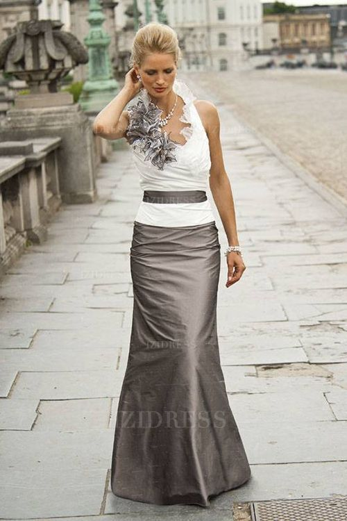 Kleider für besondere Anlässe Abendkleider Partykleider ...