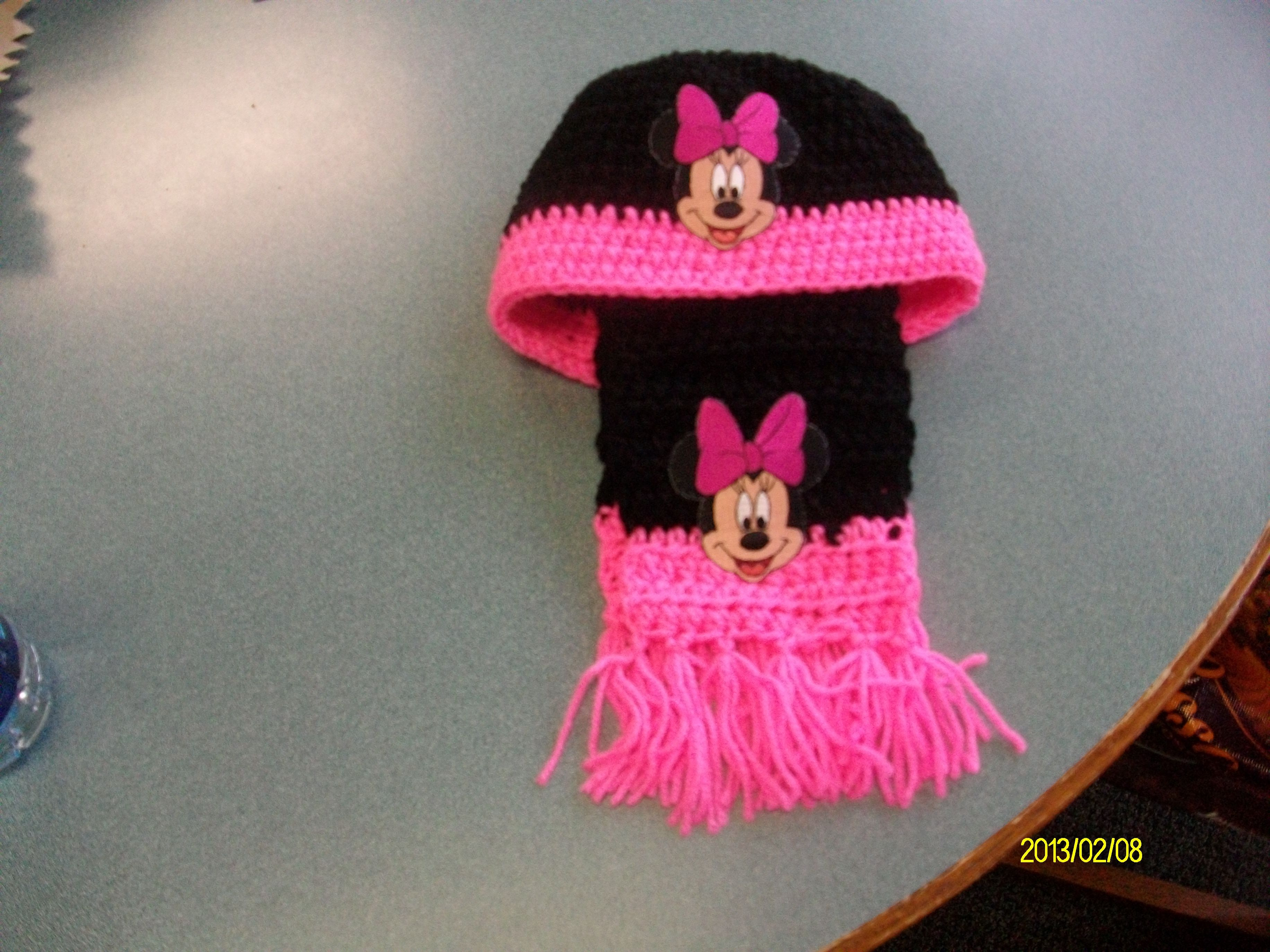 Minnie mouse hat and scarf   My Crochet items   Pinterest
