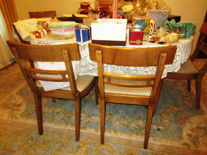 Found on EstateSales.NET:TABLE AND CHAIRS