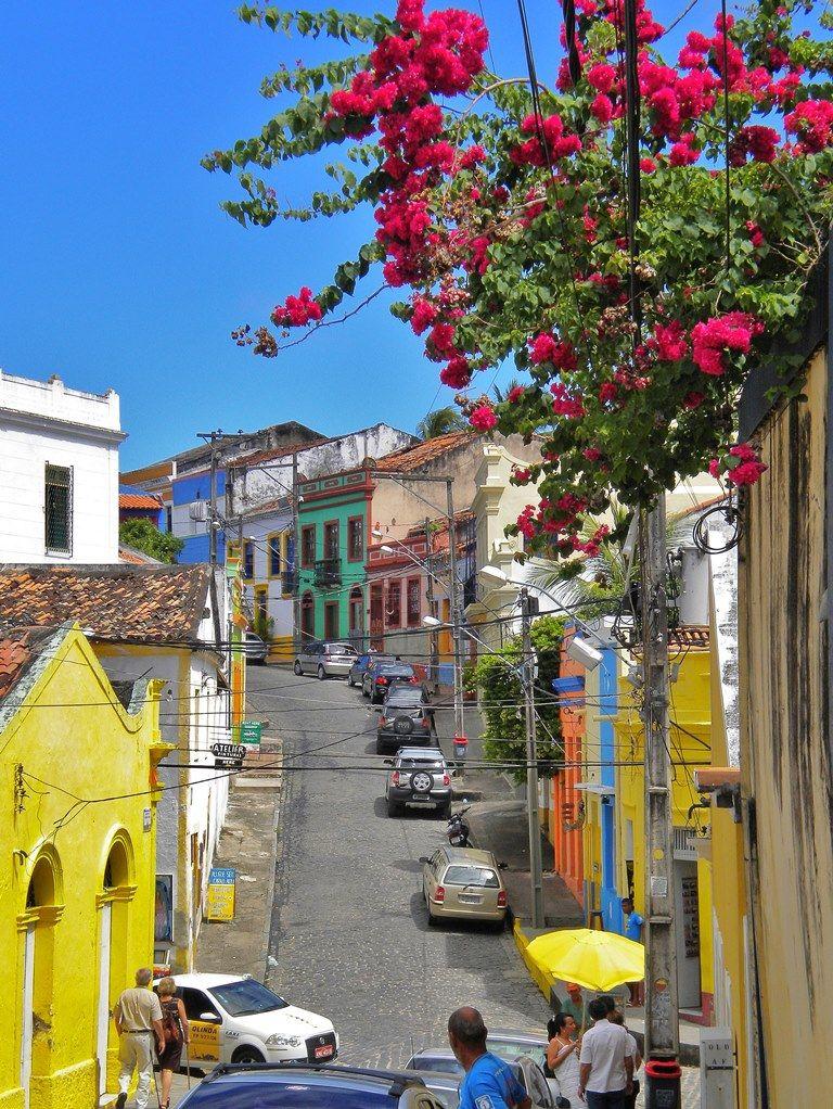 La hermosa ciudad de Olinda, en la provincia de Pernanbuco, Brasil, consulta nuestros cursoS  de portugues en esta hermosa ciudad www.estudiosexterior.com