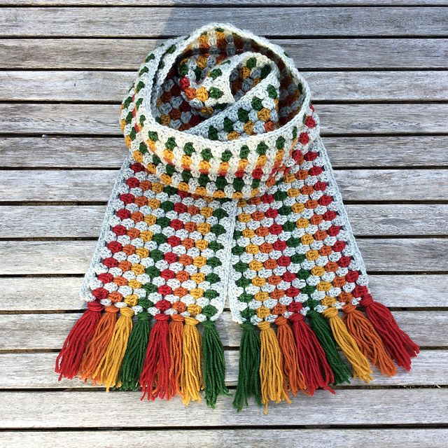 Hook Up A Super Long Super Cosy Super Scarf With This Crochet