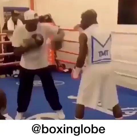 Hit and don't get hit 😱 @floydmayweather 🥊 #boxing #boxingtraining #wbc #wbcboxing...