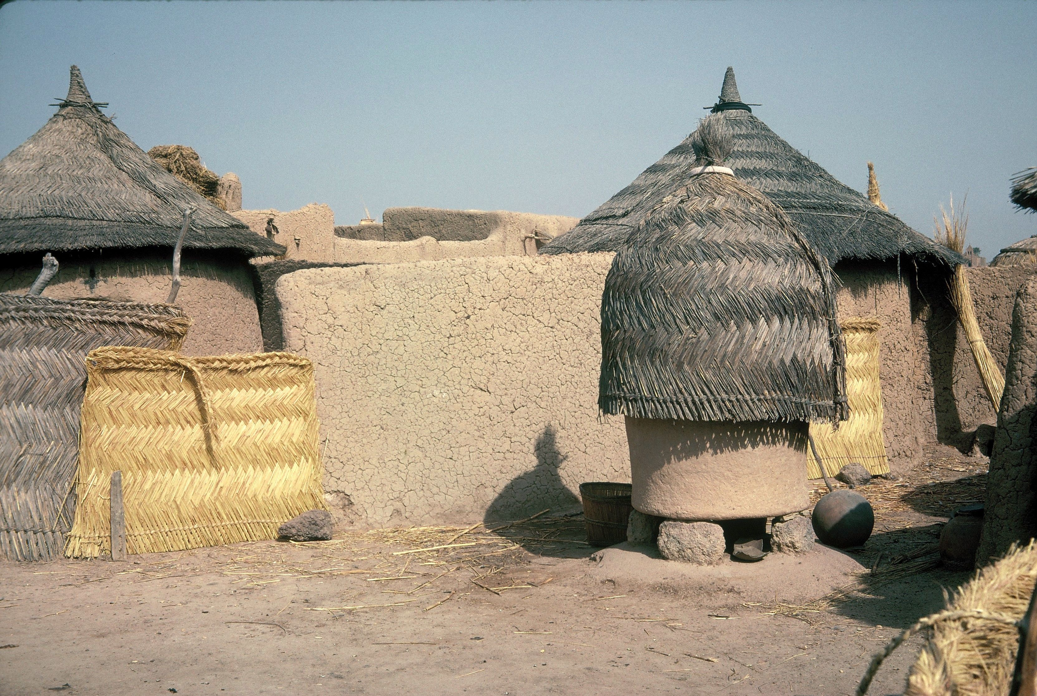 lunda dwellings displaying the square and the cone on ground type