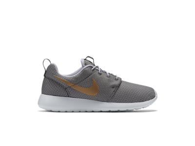 Nike Roshe One Women's Shoe Size 8 in color: Anthracite/Wolf Grey/Pure  Platinum/Metallic Gold