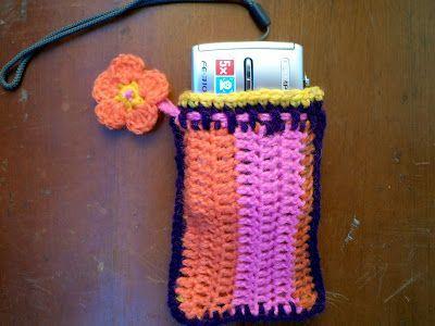 Cute little crochet camera case idea #crochetcamera Cute little crochet camera case idea #crochetcamera
