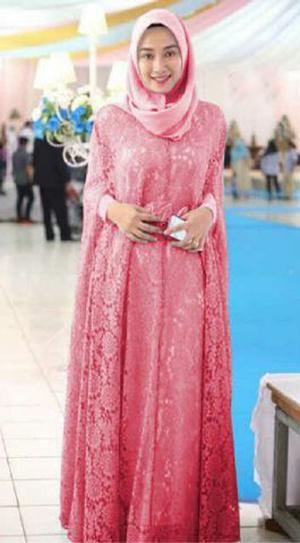 Model Kebaya Wisuda Syar I Untuk Wanita Muslimah Modern Fashion