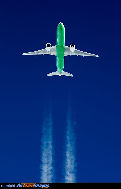 EVA Air Boeing 777-35E/ER B-16716 in international airspace, April 2014. (Photo: Roman Becker)