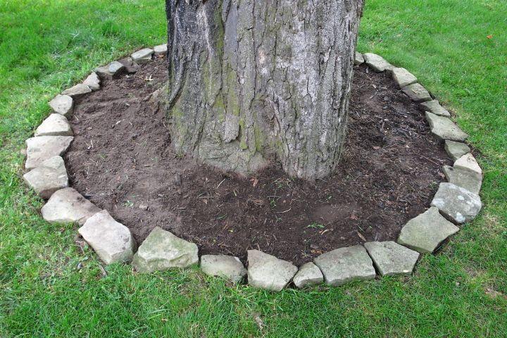 Blog Homeandawaywithlisa Concrete Garden Edging Concrete Garden Garden Edging