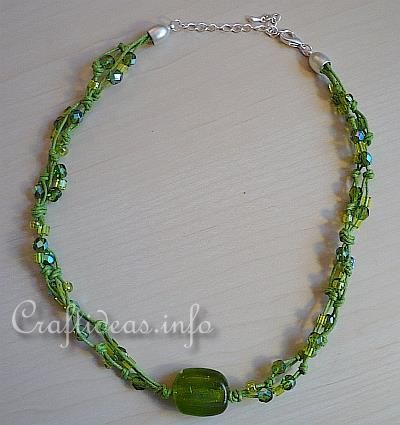 Jewelry Craft - Green Beaded Necklace.... Cute idea if you have extra beads and feeling crafty