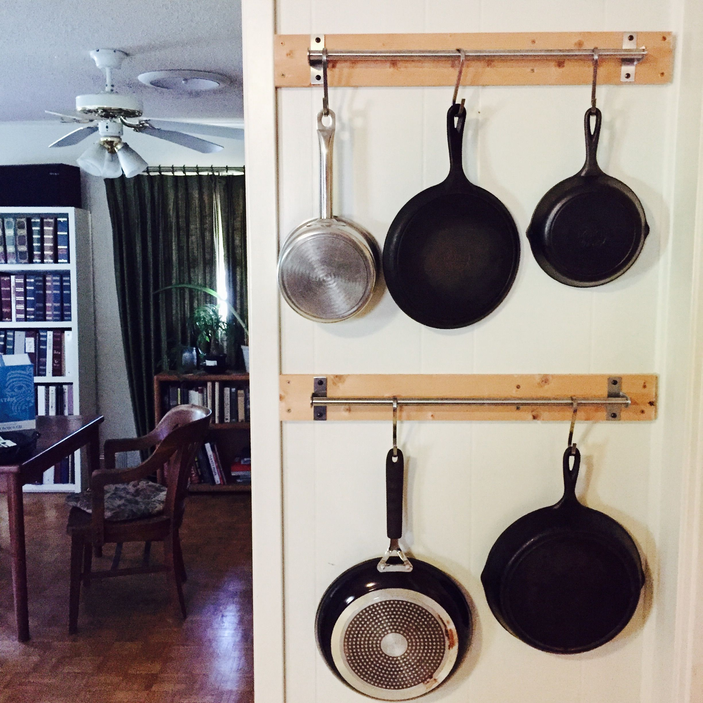 Diy Wall Hanging Pans 1x4s And Ikea Hanging Rods Cast Iron Pans