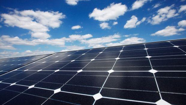Tesla S Batteries To Power Homes Expected To Revolutionize Energy Solar Panels Used Solar Panels Solar Energy