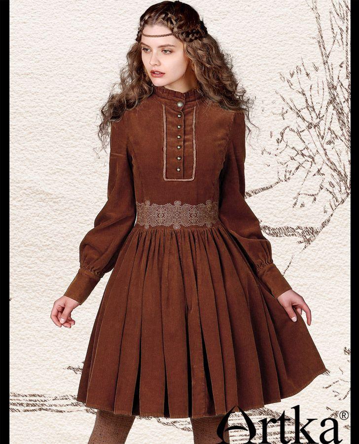 6b8194f176d Вельветовое платье с вышивкой на талии и стоячим рюшевым воротником ...