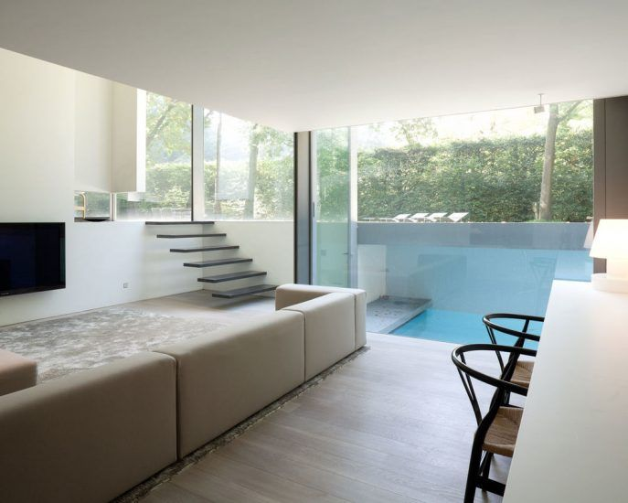 Home design:glass house with two levels open floor family room also