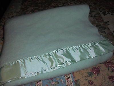 Vintage Faribo wool sage green blanket 77 X 88