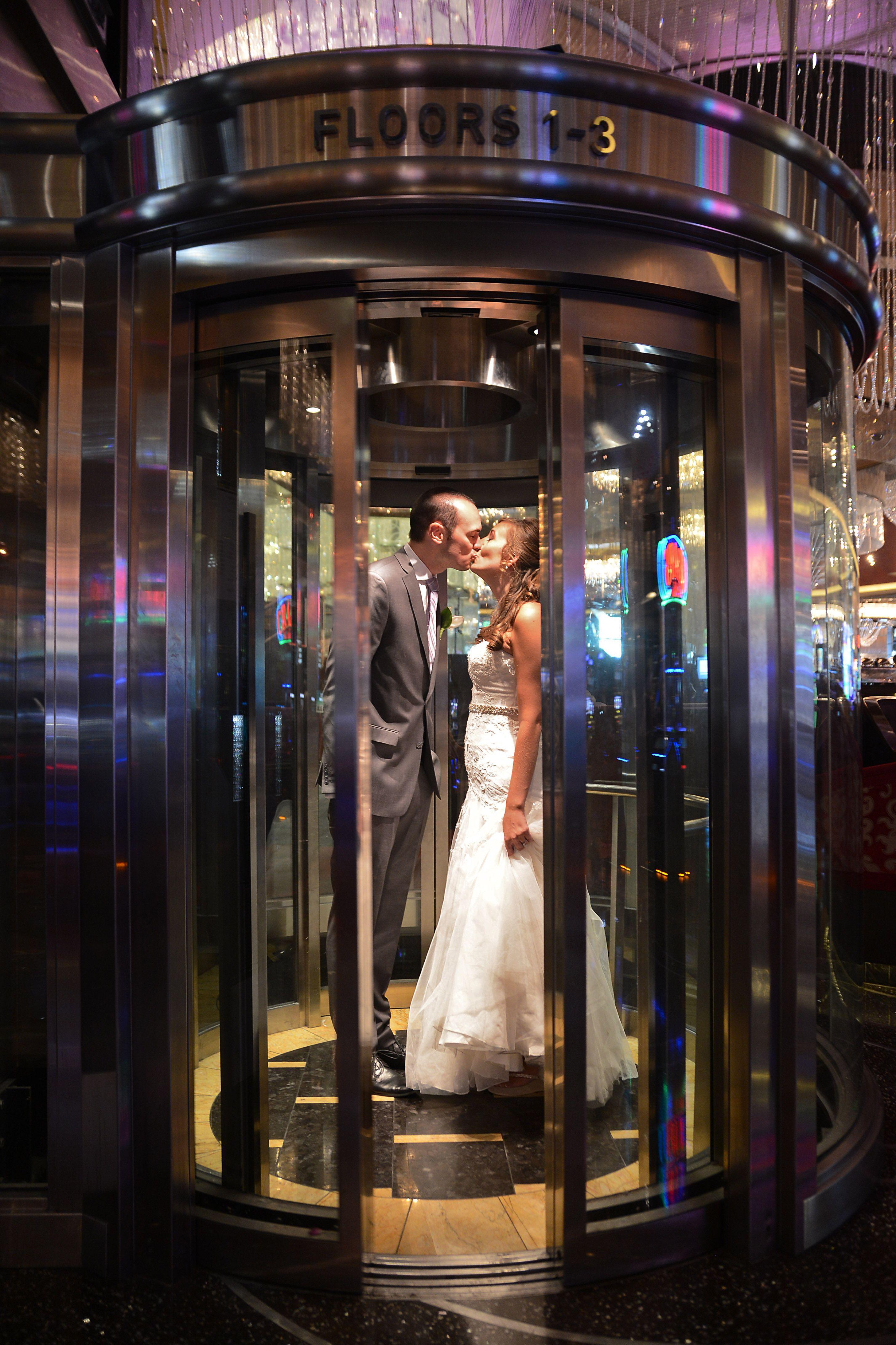 Vegas Wedding Cosmopolitan Las Vegas Cosmopolitan Las Vegas Las Vegas Wedding Photos Vegas Wedding Photos