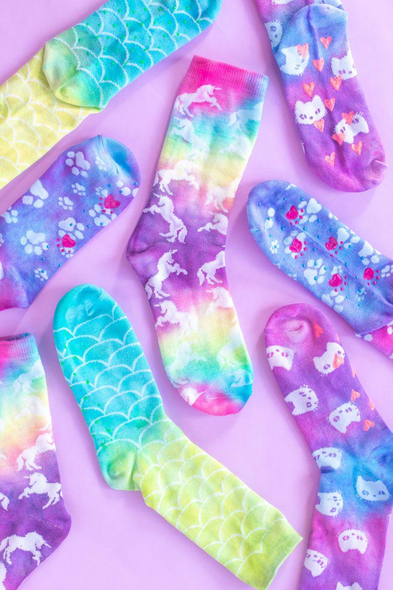 DIY Neon Tie Dye Grip Socks Diy neon tie dye, Tie dye