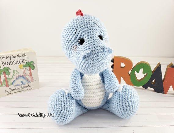 Dinosaur crochet pattern, crochet dinosaur, t-rex crochet pattern, brontosaurus crochet pattern, triceratops crochet pattern #crochetdinosaurpatterns