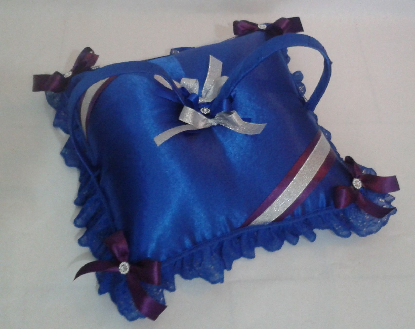 15 Anos Pillows: CO 118 Cojin Para Zapatillas De 15 Años Azul, Morado Y