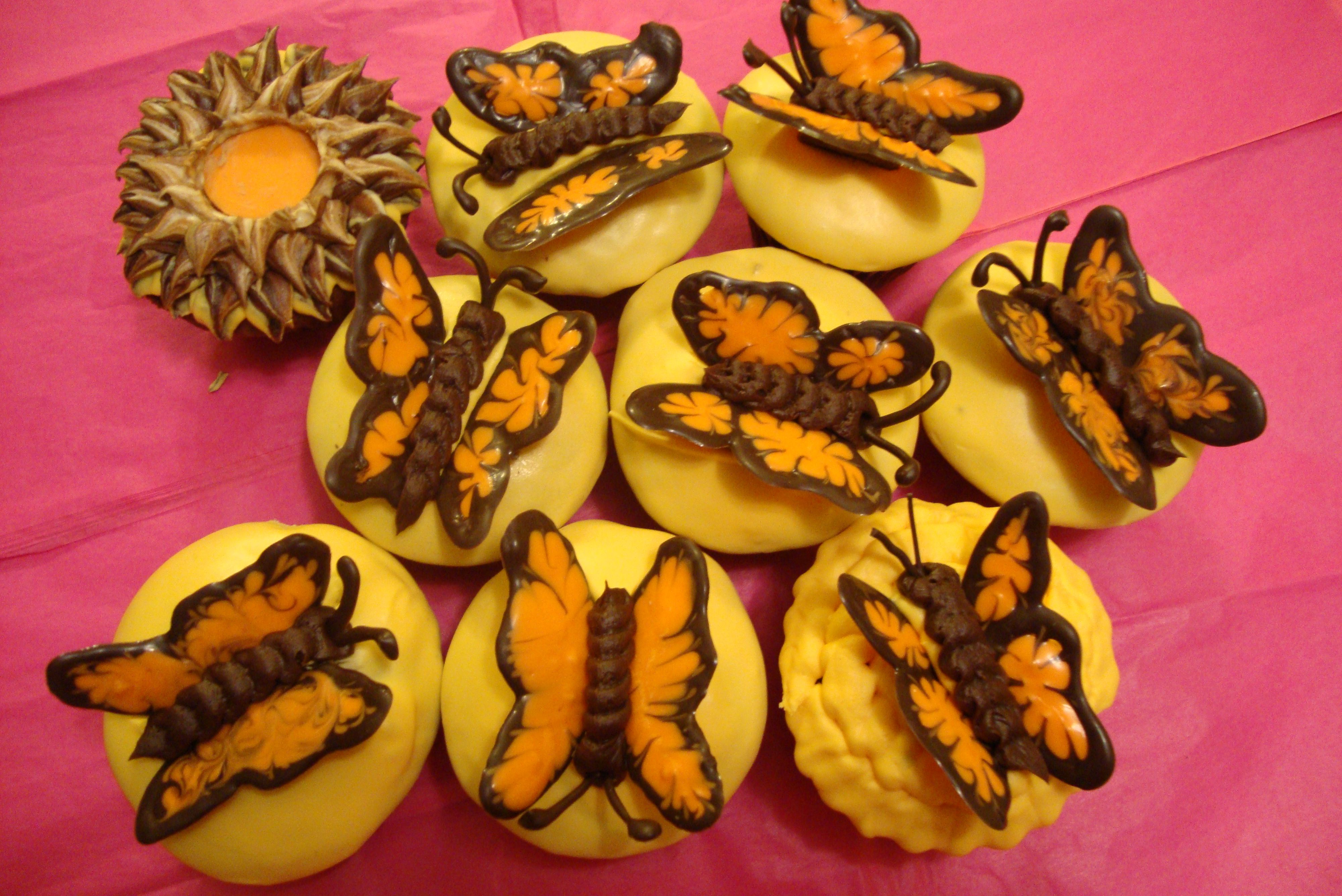 Monarch Cupcakes!!...beautiful and easy!!..