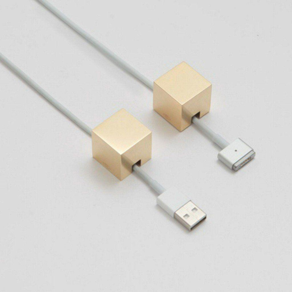 "Cool Hunting on Twitter: ""Kebei Li Kickstarts His Cubic Cable-Holder https://t.co/MjLoM1R1ke https://t.co/YoBYu8aKWK"""