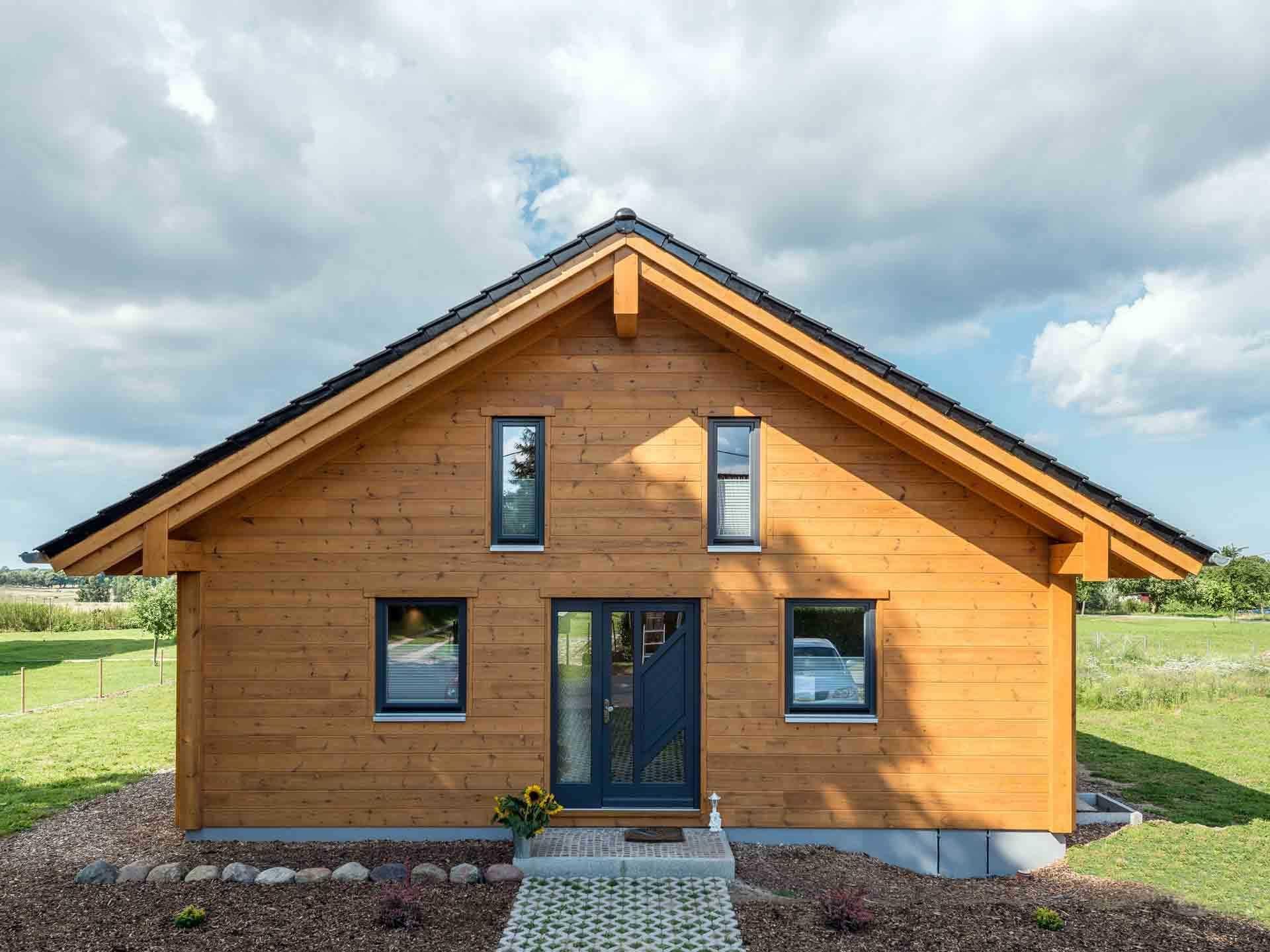 Musterhaus Wismarbucht Fullwood Wohnblockhaus in 2020