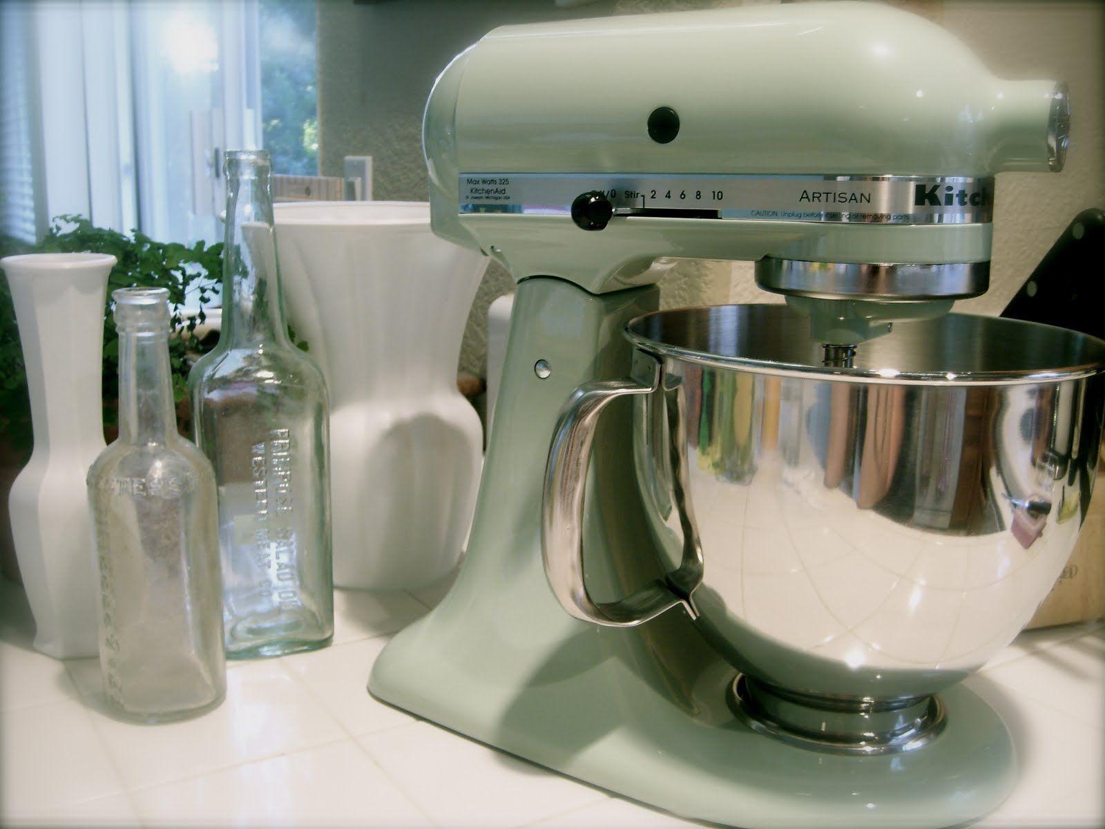 My dream - a pistachio kitchenaid | Kitchens | Pinterest ...