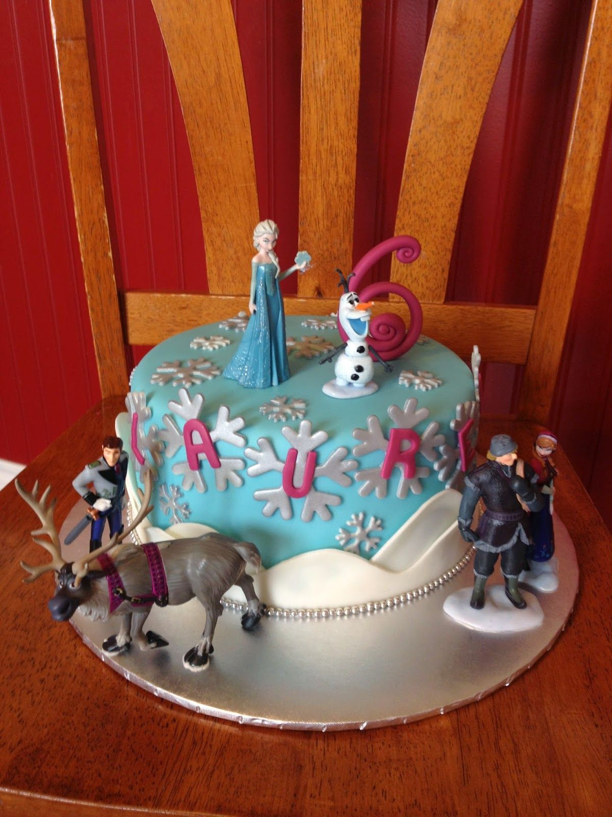 Frozen cake design images  Sugar Love Cake Design Single Tier Frozen cake  cake covering and