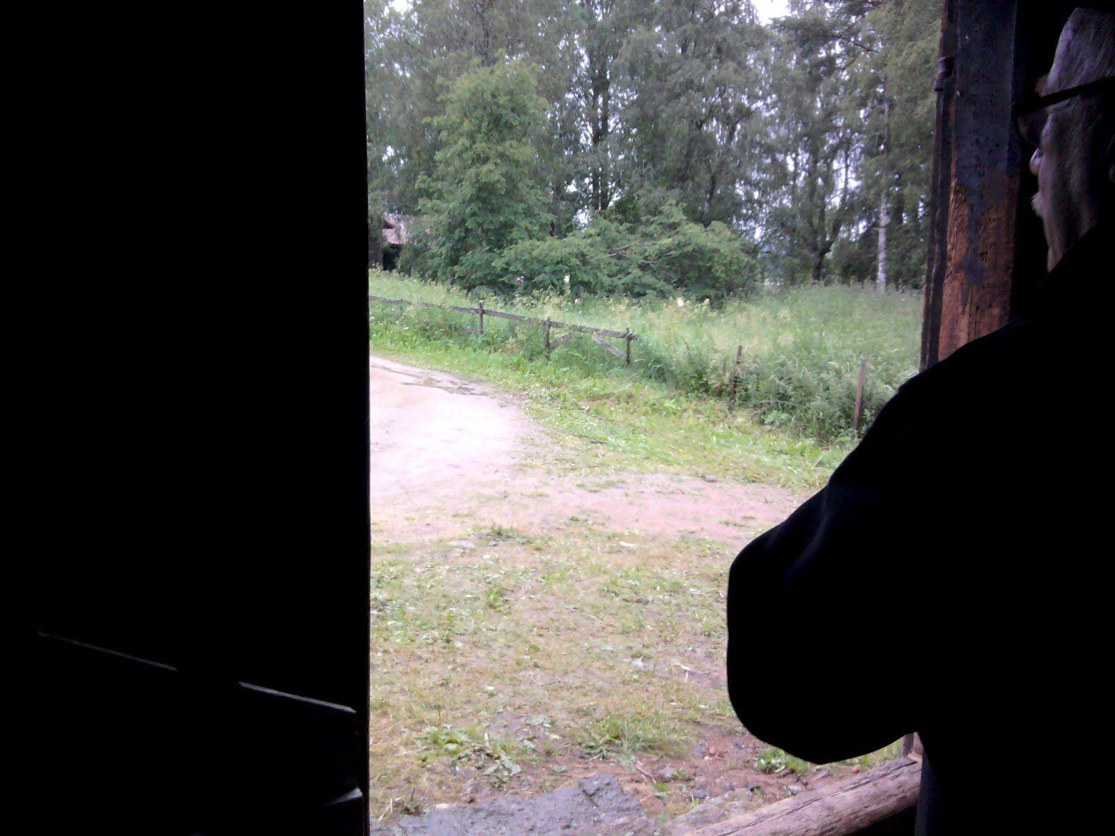 Sataa löpöttää