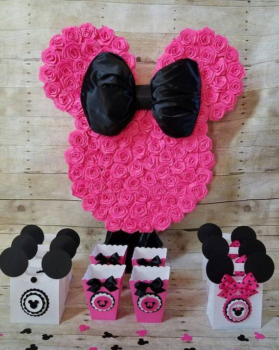 Hot Pink and Gold Minnie Mouse Piñata!! Gold and Hot Pink Minnie Mouse Party favors,Minnie Mouse party, (This Price is only for the piñata)