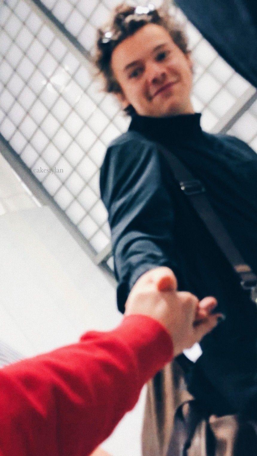 Harry Styles lockscreens / more lockscreens: cakestylan tumblr com