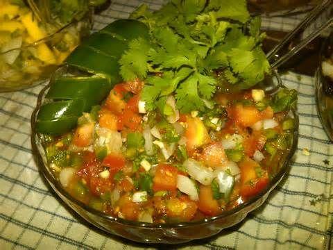 Salsa Pico de Gallo: jitomate,cebolla,cilantro,chile serrano,naranja,sal,pimienta,oregano,y aceite de oliva y limon¡¡¡ chef Mata