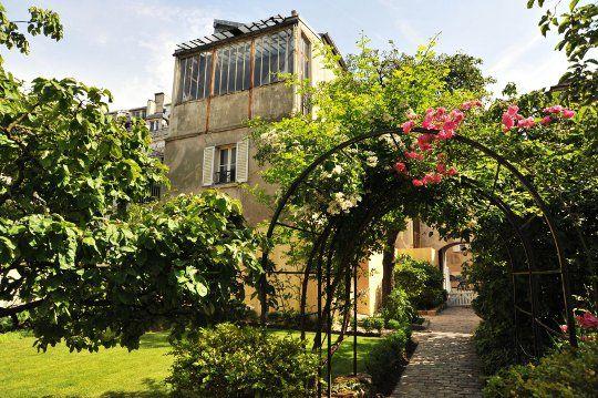 Mus e de montmartre 12 rue cortot 75018 paris 33 0 1 for Jardin 75018