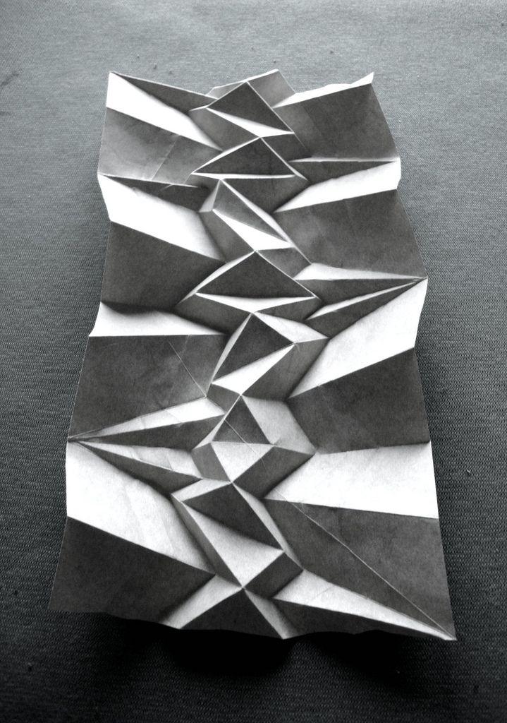 Andrea-Russo-corrugation.jpg 719×1,024픽셀