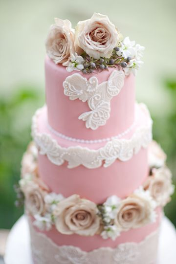 lace detail #wedding #cake | Greer G Photography