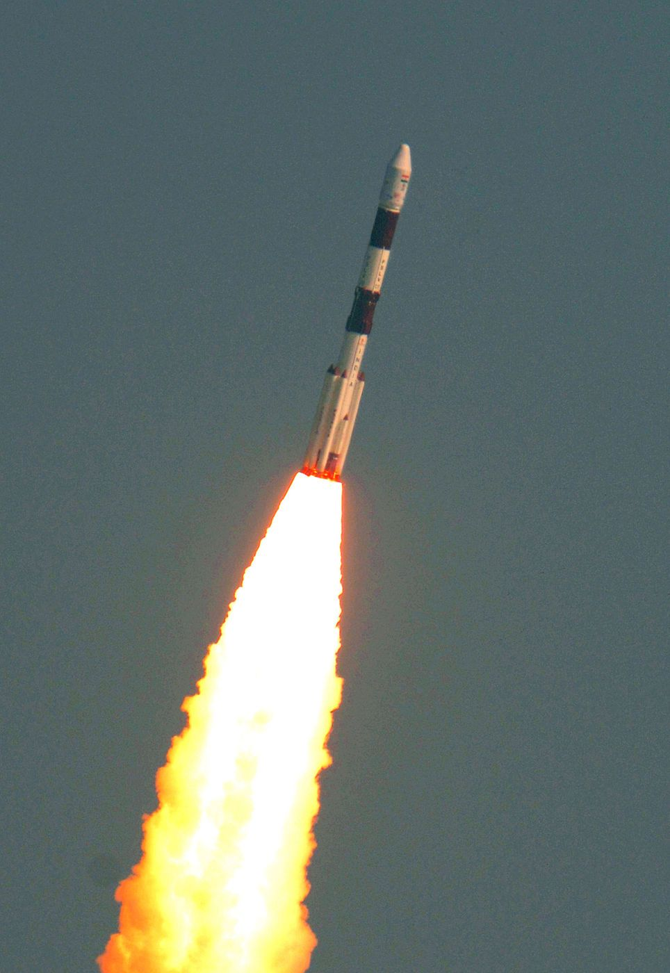 The Indian Space Research Organisation Isro Launched 104 Satellites Into Orbit Ab Indian Space Research Organisation Mars Orbiter Mission Astronauts In Space
