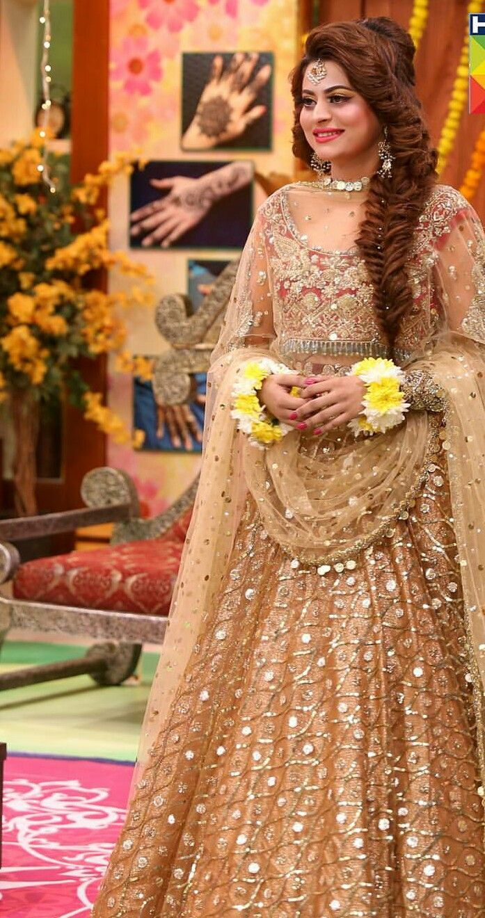 Hindu wedding dress  Pretty outfitThe girl is also PrettyI am here wondering