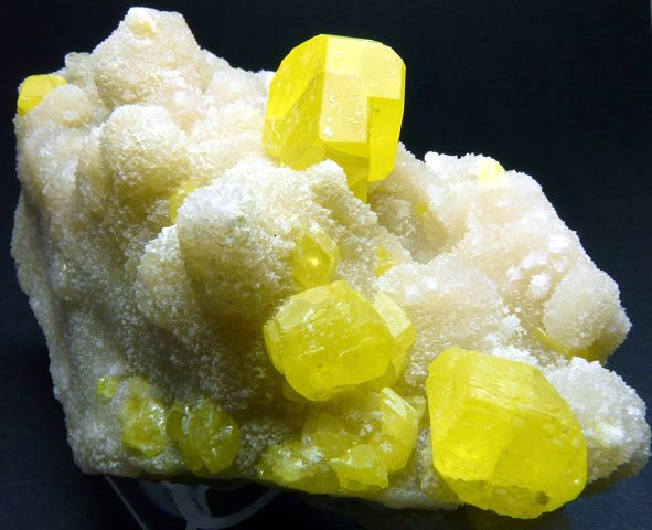 Chartreuse Pyromorphite Spain | crystals and stones