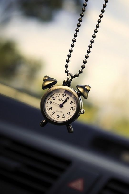 Clock Wallpaper For Iphone Wallpapersafari Fonditos In