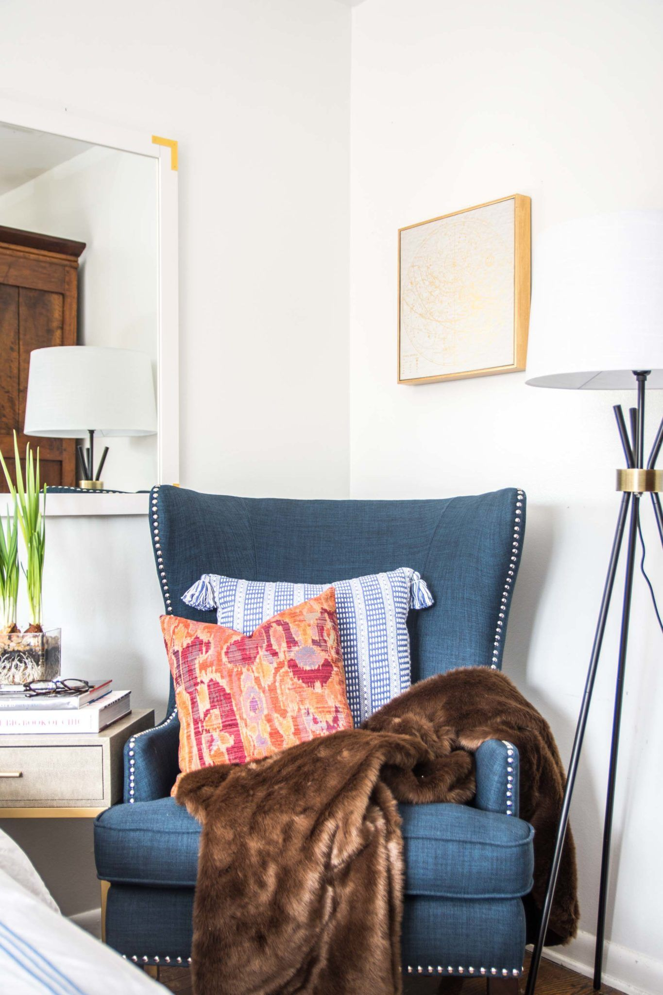 Why Your Bedroom Needs An Accent Chair Toddler Table Chairs