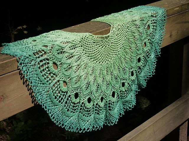 Ravelry: Renaissance Shawl pattern by Anne-Lise Maigaard | шали ...