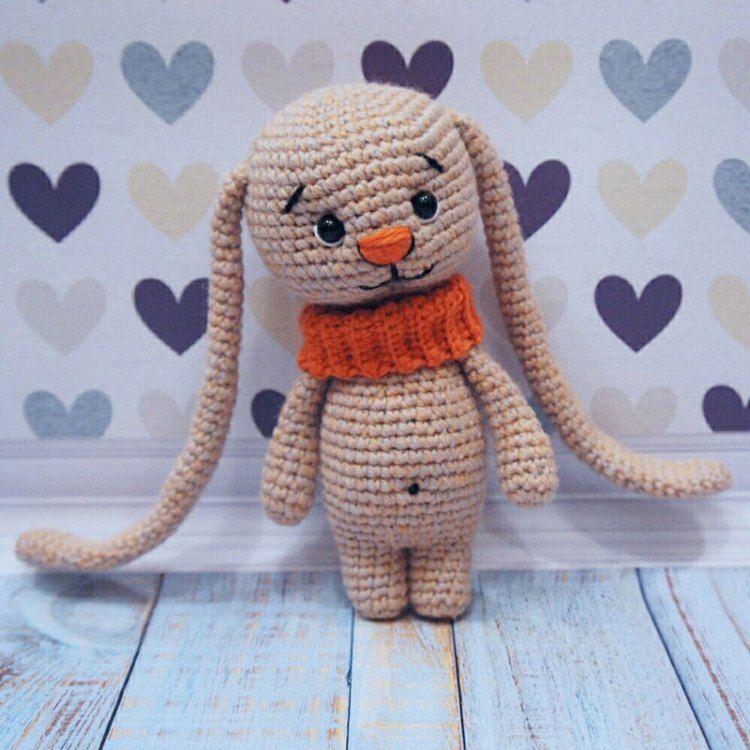 conejito Amigurumi con grandes orejas patrón de crochet libre ...