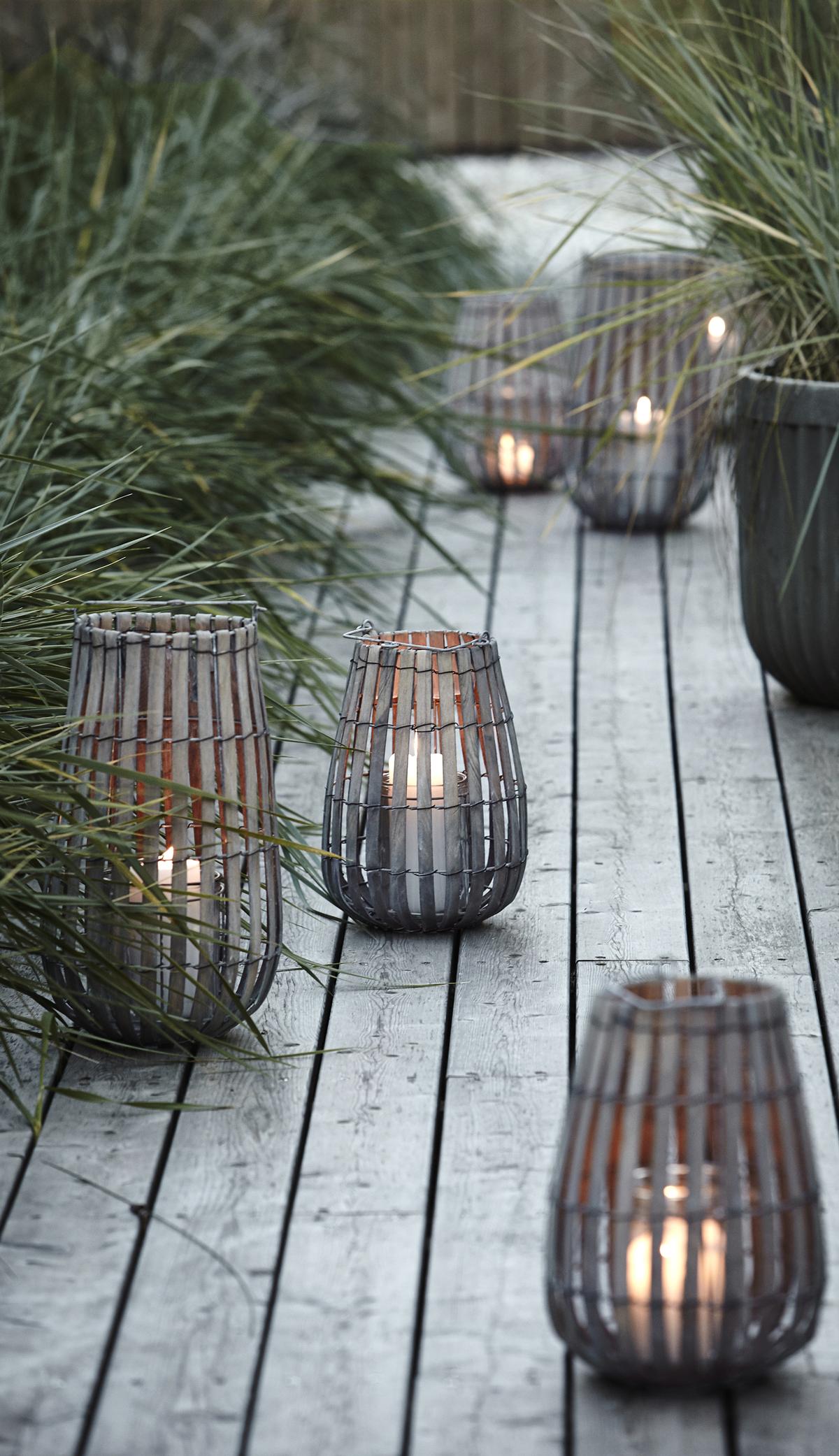 Photo of Laterne aus Holz und Glas mit Griff