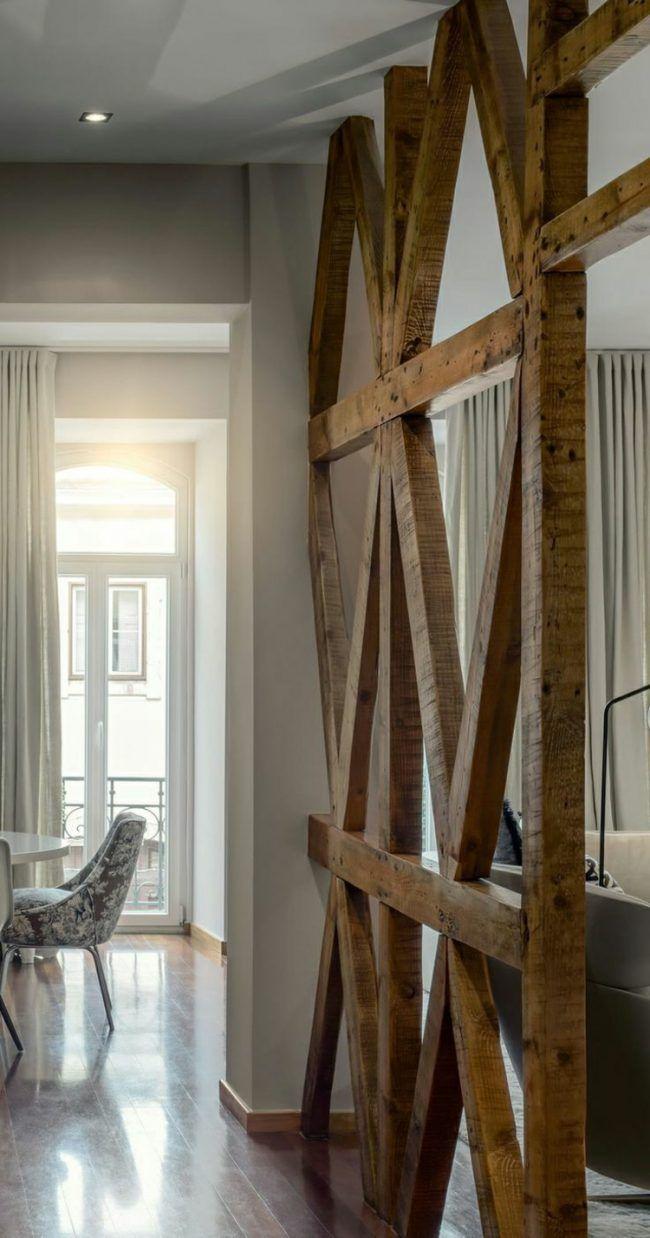 raumtrenner aus holz balken rustikal akzent modern wohnung | wohnen