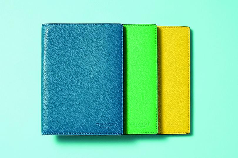 COACH パスポートケース