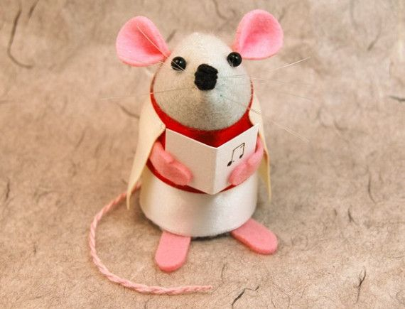 Christmas Carol Singer Mouse ornament felt rat by TheHouseOfMouse, $30.00