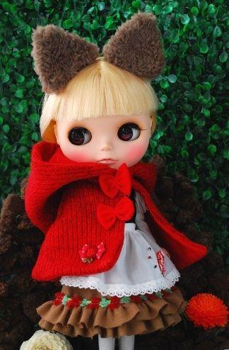 Little Winter Red Riding Hood dress set http://www.thisisblythe.com