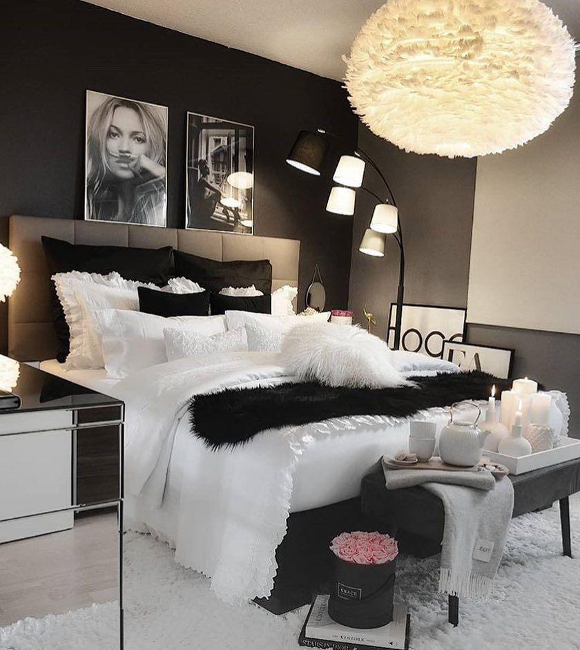 Interiorsdeco On Instagram Un Petit Coucou Avec Cette Jolie Inspi De Chambre Black And White By Zeyne Room Ideas Bedroom Bedroom Interior Stylish Bedroom
