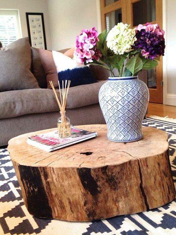 Simple massivholz couchtisch baumstamm blumendekoration