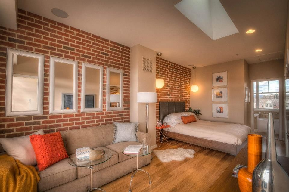 Master Suite In A Rowhome Townhome In Frederick Md